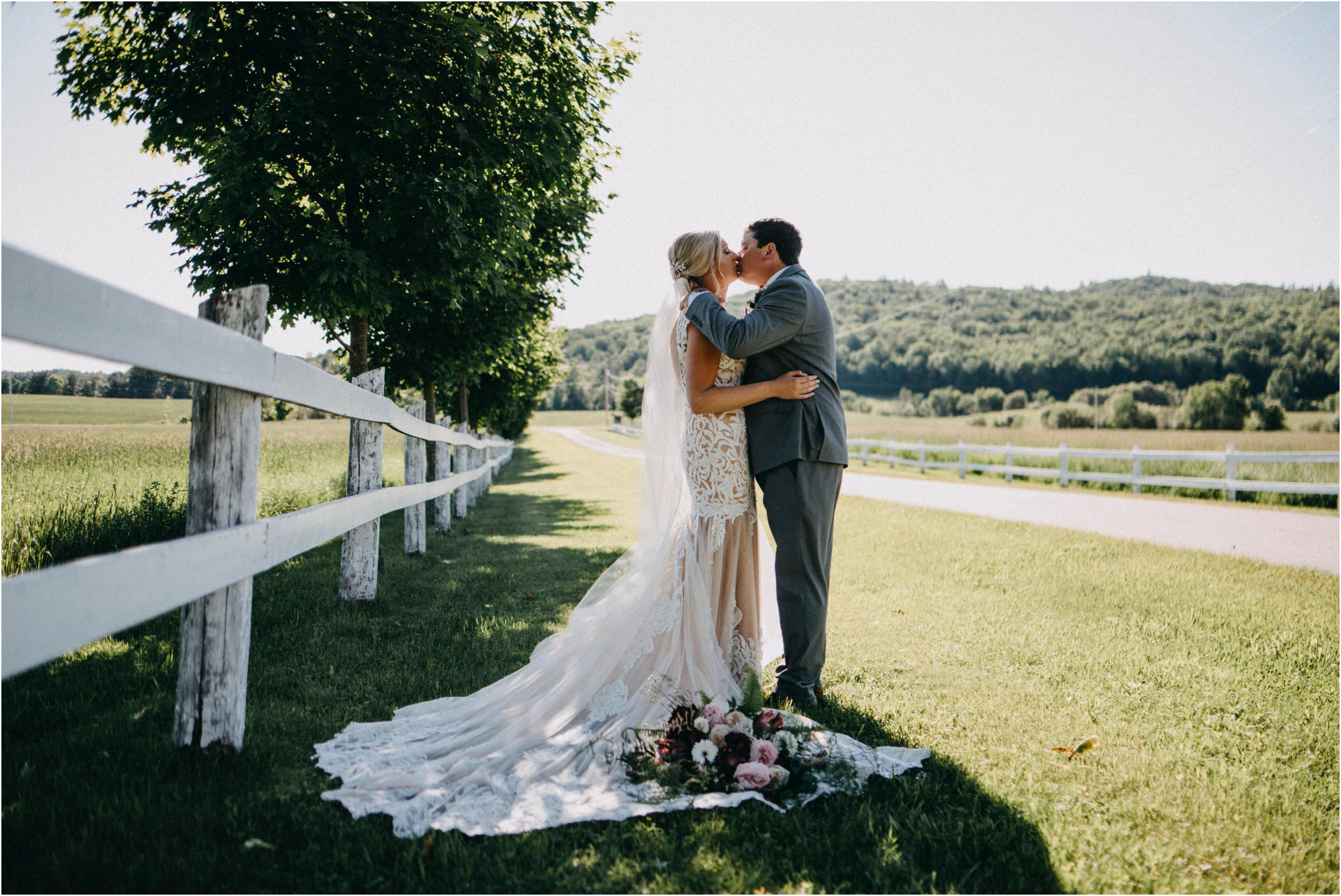 Auberge North Fork Wedding by Cindy Lottes Photography