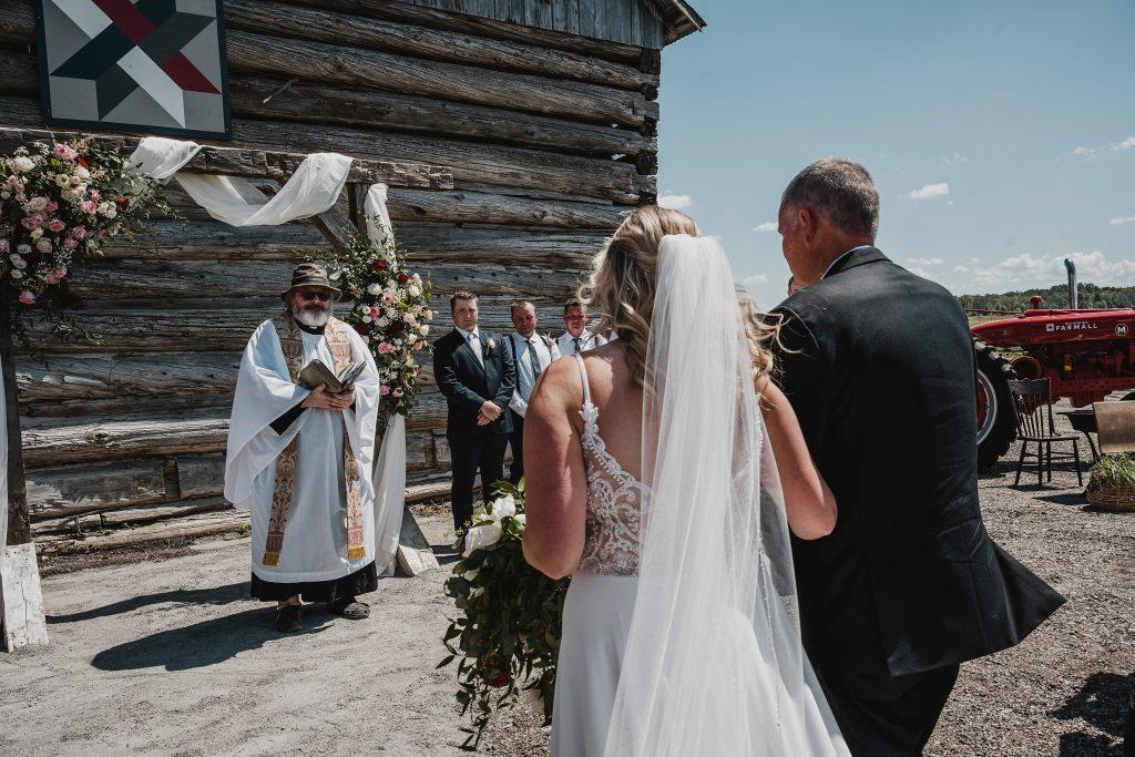 Dunrobin Ontario farm wedding