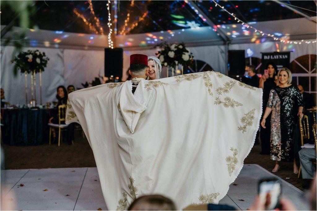 groom and bride dressed in traditional Algerian Wedding attire